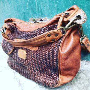 Perlemust lædertaske